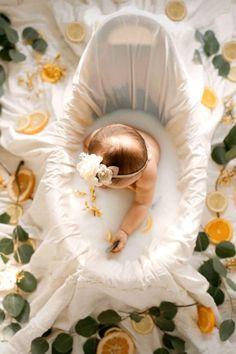 Foto Newborn, Newborn Baby Photos, Baby Poses, Baby Girl Photos, Cute Baby Pictures, Newborn Pictures, Baby Girl Newborn, Outside Baby Pictures, Summer Baby Photos