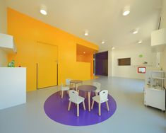 Gallery of 4 Nurseries / Schemaa - 9 Education Architecture, Interior Architecture, Art Studio Design, Nursery Design, Green Building, Tapestry Wall Hanging, Building Design, School Design, Colorful Interiors
