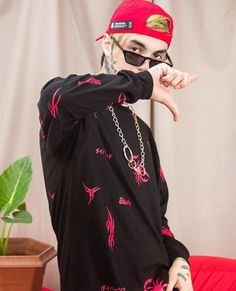 Mens Photoshoot Poses, Lil Peep Beamerboy, Mens Fashion, Outfits, Style, Art Drawings, Addiction, Sad, Diamonds
