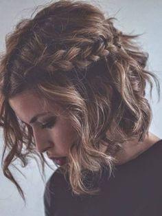 14 Glamouröse Wellige Frisuren für das Jahr 2017 //  #2017 #Frisuren #für #Glamouröse #Jahr #Wellige