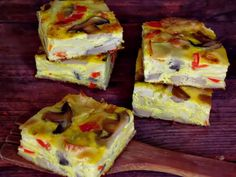 Frittata cu paste si legume - CAIETUL CU RETETE Frittata, Omelet, Appetizer Sandwiches, Appetizers, Cooking Tips, Cooking Recipes, Healthy Recipes, 30 Minute Meals, Bread Rolls