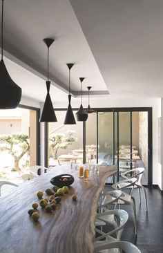 Corse du Sud : table d'hôte Version Marquis - Côté Maison Deco Restaurant, Boutique Deco, Slab Table, Interior Decorating, Interior Design, Coastal Homes, Cozy House, My Dream Home, Kitchen Furniture