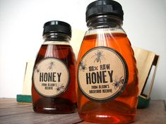 Custom Rubber Stamp Honey KRAFT paper bottle labels, personalized printed round bee stickers for mason canning jars, custom honey bee labels Honey Jar Labels, Honey Label, Honey Jars, Canning Jar Labels, Bottle Labels, Types Of Honey, Honey Bottles, Favour Jars, Pots