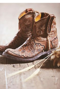 Old Gringo Queenwood Western Boot at Free People Clothing Boutique Boho Boots, Ugg Boots, Western Wear, Western Boots, Botas Boho, Bota Country, Shoes 2018, Over Boots, Mode Style