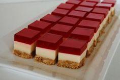 Take Another Bite: Jelly Slice - Kuchen Torte Deko Jello Desserts, Jello Recipes, Mini Desserts, Dessert Recipes, Jelly Slice, Mini Cheesecakes, Comfort Food, Mini Cakes, Cakes And More