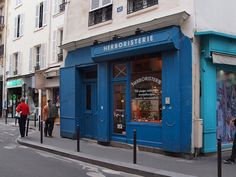 herbalism shop in paris france
