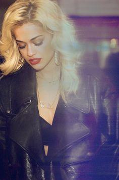 Откровенные снимки | Официальный Rita Ora сайта