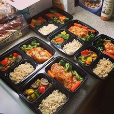 This is @mattbbaos FIRST meal prep and its looking pretty awesome! He has chicken breast brown rice bell peppers mushrooms carrots and broccoli! - Once you have everything you need planned and bought meal prepping becomes easy! Download @mealplanmagic to plan in a snap and save both time and money while eating healthy food! - ALL-IN-ONE TOOL & GUIDES - Build Custom Plans & Set Nutrition Goals BMR BMI & Max Rate Calculator Get Your Macros by Body Type & Goal Grocery Lists Automated to Weekly…