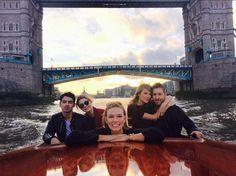 taylor swift, calvin harris, gigi hadid, joe jonas, and karlie kloss on a boat ride in london 6.28.15