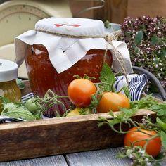 Kirpeä tomaattikastike - Reseptejä