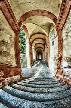 San Luca, Bologna, province of Bologna, Emilia Romagna region Italy Beautiful World, Beautiful Places, Expo Milano 2015, Bologna Italy, Stairway To Heaven, Sicily, Italy Travel, Places To See, Around The Worlds