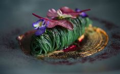 2) A few shots of individual plates, clean Plate Presentation, Food Photography Styling, Food Styling, Food Festival, Food Plating, Michelin Food, Culinary Arts, Food Design, Gourmet Recipes
