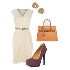 The perfect summer office outfit: wrap dress, neutral accessories, and a chic pump!
