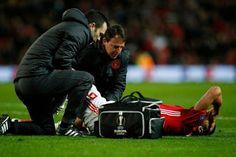 Διπλό σοκ για την Μάντσεστερ Γιουνάιτεντ και τον Ζοσέ Μουρίνιο, καθώς οι φόβοι επιβεβαιώθηκαν για τους τραυματισμούς του Ζλάταν Ιμπραϊμο...