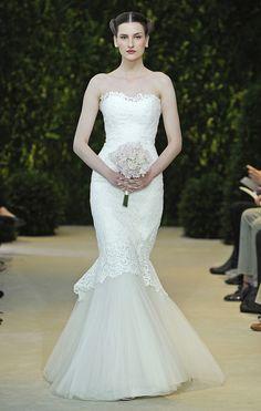 Vestidos de novia palabra de honor de tul con corte sirena en marfil de Carolina Herrera 2014 - Modelo Alexis