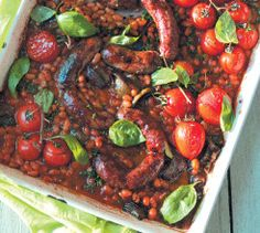Whip up this Sausage, Tomato and Baked Bean Tray Bake with minimum effort. Your family will still get all the important nutrients they need and enjoy the dish. Sausage Recipes, Beef Recipes, Fun Baking Recipes, Baked Beans, Stuffed Green Peppers, Perfect Food, Winter Food, The Dish, Cherry Tomatoes