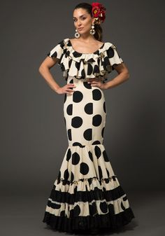 First Choice, Dress Suits, Dresses, African Fashion, Gowns, Caftans, Black And White, Boutique, Skirts