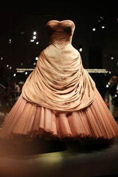 Charles James' 'Swan' gown exhibits lush romanticism