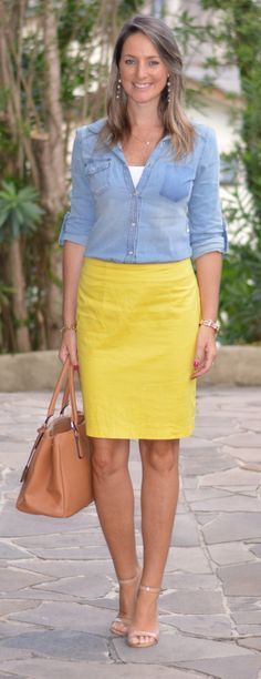 Look do dia - look de trabalho - moda corporativa - look executiva - Work outfit - Office outfit - saia amarela - saia lápis - yellow pencil skirt - camisa jeans - casual Friday Yellow Skirt Outfits, Jean Skirt Outfits, Pencil Skirt Outfits, Yellow Pencil Skirt Outfit, Jeans Casual, Casual Skirts, Work Fashion, Skirt Fashion, Fashion Outfits