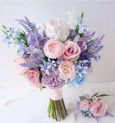 Purple Wedding Bouquets, Lilac Wedding, Bride Bouquets, Bridal Flowers, Flower Bouquet Wedding, Floral Wedding, Wedding Colors, Beautiful Flowers, Dream Wedding