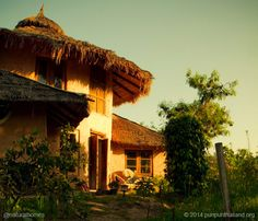 This is one of the many natural homes built by Jon Jandai in Thailand. Listen to his words of advice with other inspirational natural builders at www.naturalhomes.org/inspirational-builders.htm