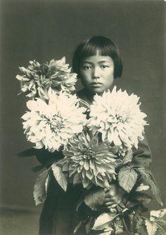 Yayoi Kusama at age 10, 1939.
