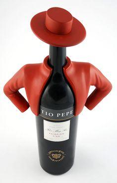 Tio Pepe  #wine #spirit #label #packaging #design #taninotanino #maximum #winelabel