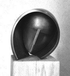 Exposición Homenaje a Martín Chirino en el Círculo - RTVE.es http://www.rtve.es/mediateca/fotos/20131030/exposicion-homenaje-martin-chirino-circulo/122315.shtml