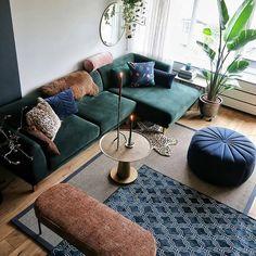 Green velvet sofa and blue velvet pouf Living Room Green, Living Room Sofa, Home Living Room, Living Room Decor, Blue Velvet Sofa Living Room, Interior Design Living Room, Living Room Designs, Living Room Inspiration, My New Room