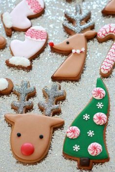 (Video) How to Decorate Christmas Cookies - Simple Designs for Beginners | Sweetopia