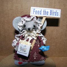 Bird-feeding Mouse - one of the cute gift Winter felt mice ornaments for animal lovers and collectors by Warmth. $20.00, via Etsy.