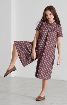 "Anzughose ""Naughty Bordeaux – Livemaster – handmade, DIY & tutorials – Join in the world of pin Simple Dresses, Pretty Dresses, Short Dresses, Girls Dresses, Fashion Sewing, Kids Fashion, Batik Fashion, Iranian Women Fashion, Mode Hijab"