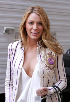 """Blake Lively from her Gossip Girl days. Loved the fashion - 65 looks of Blake Lively courtesy of POPSUGAR Fashion. One of my faves, """"preppy stripe"""" - number 35. ❤️"""