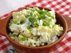 z cukrem pudrem: sałatka śledziowa z ziemniakami