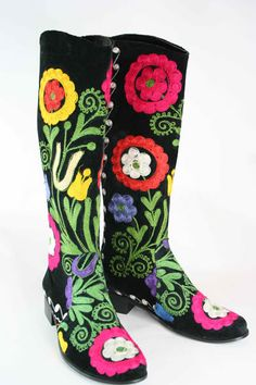 I have boots like these and I love them so beautiful! But since they are handmade the sizes aren't true to size and the taller the boot the more you have be careful to fit your calf.