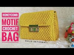 Crochet || crochet bag honeycomb || English subtitles - YouTube Crochet Clutch Pattern, Crochet Coat, Crochet Lace, Crochet Bag Tutorials, Crochet Videos, Crochet Handbags, Crochet Purses, Jean Purses, Purses And Bags