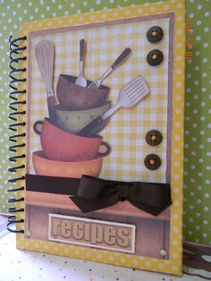 How to Make Your Scrapbook Cookbook Ideas Projects Scrapbook cookbook ideas projects can be a good inspiration for compiling your favorite recipes on one page. The cookbook is an easy project that can be made at home. Photo Album Scrapbooking, Scrapbook Albums, Homemade Recipe Books, Scrapbook Recipe Book, How To Make Scrapbook, Altered Books, Recipe Cards, Cookbook Ideas, Mini Albums