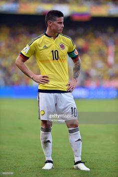 James Rodriguez of Colombia gestures during a match between Colombia and Chile as part of FIFA 2018 World Cup Qualifiers at Metropolitano Roberto Melendez Stadium on November 2016 in. Get premium, high resolution news photos at Getty Images Best Football Players, National Football Teams, Soccer Players, Soccer Guys, Football Boys, James Rodriguez Colombia, Alexandre Pato, James Rodrigues, Messi And Ronaldo