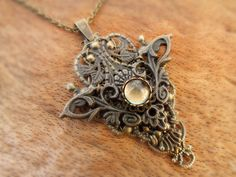 """Halskette """"Chrysantha"""" - ein Schmuckstück von Julihörnchen  #Schmuck #Julihoernchen #Kette #Jugendstil #Fantasy #LARP"""