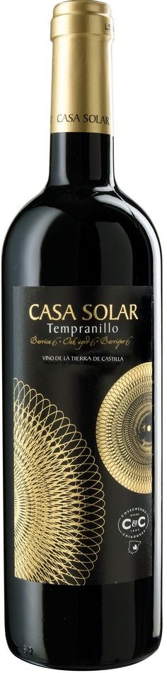 casa solar wine. lovely back and gold contrast for all our #wine loving #packaging peeps. PD
