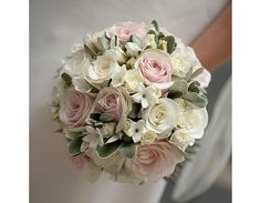 Flowerbug Designs - beautiful floristry - I love this!