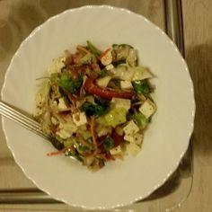 Einen leckeren Salat mit Fetakäse Tomaten  gehobelte Möhren  und verschiedene Kräuter #madeinmykitchen#foodyummy#Fruit #instafood #foodporn #healthyfood #healthy #diet #diät #dietdiary #absaremadeinthekitchen #fooddiary #lowcarb #lowcarbgermany #food #foodporn #wheightlifting #wheightloss #wheightlossdiary #cleaneating #absaremadeinthekitchen by andy_goes_fit