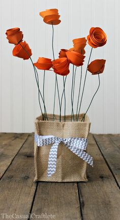 19 Best Paper Flowers Tutorials perfect for Mother's Day. Great craft for kids and gift idea for Moms, Grandmas and teachers. DIY Paper Flowers are so fun! Paper Flower Centerpieces, Tissue Paper Flowers, Flower Paper, Paper Roses, Candle Centerpieces, Centrepieces, Kids Crafts, Diy And Crafts, Art Crafts
