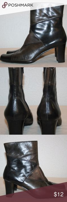 """LIZ CLAIBORNE Flex Boots Kildare Size 8 M Ankle Liz Claiborne  Kildare  Flex  Brown  Good Condition - There is some wear on the inside of the boots- please review all pictures before bidding  Zip Up  Ankle Style  Size:  8 M  Leather Upper  Length At Bottom Heel to Toe:  9 5/8""""  Width At Bottom:  3 3/8""""  Height:  8 3/8""""  Heel Height:  2 3/4"""" Liz Claiborne Shoes Ankle Boots & Booties"""
