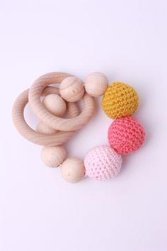 Greifling – Holzkugeln rosa