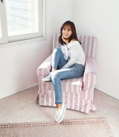 SNSD's pretty Yuri and her new photos from 'BLACKEY'