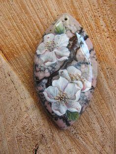 """Купить """"Сакура"""" - кремовый, розовый, сакура, япония, восток, лаковая миниатюра, миниатюрная живопись"""