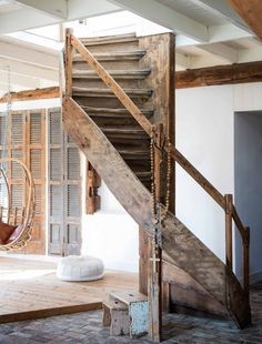 Gravity Home : Farmhouse in The Netherlands. Photography by Louis. Room Interior Colour, Room Interior Design, Interior Decorating, Rustic Staircase, Wooden Staircases, Wooden Stairs, Cosy Home, Gravity Home, Safe Room