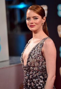 Emma Stone Red Carpet, Glamorous Hair, Healthy Lifestyle Motivation, Healthy Women, Young Models, Bikini Bodies, King Queen, Perfect Body, American Actress