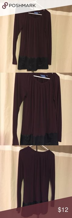 Purple shirt Long sleeve purple/black shirt. Very comfortable. I've worn as a dress before too but it would be kinda short as a dress! I offer discounts for bundles and accept offers :) Simply Vera Vera Wang Tops Blouses